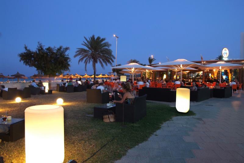 Cafe del sol cala millor mallorcaguide for Bistro del jardin mallorca