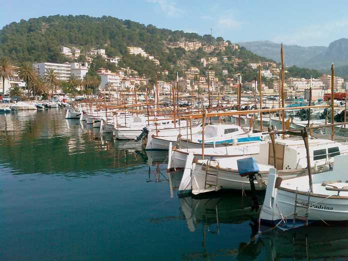 Port de Soller, Hamn, utflykt, nordvästra Mallorca, båtar