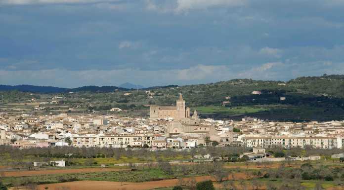 Porreres, lantlig by central på Mallorca och öster om Palma.