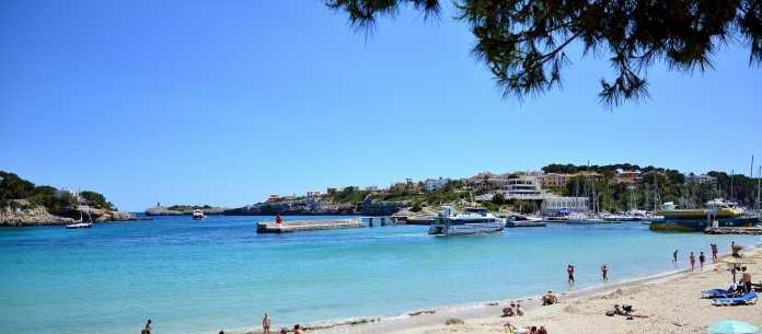 Porto Cristo var tidigare en gammal fiskeby, drakgrottorna, droppstensgrottorna, Safariparken, Underbar liten resort med bra restauranger på Mallorcas östkust.